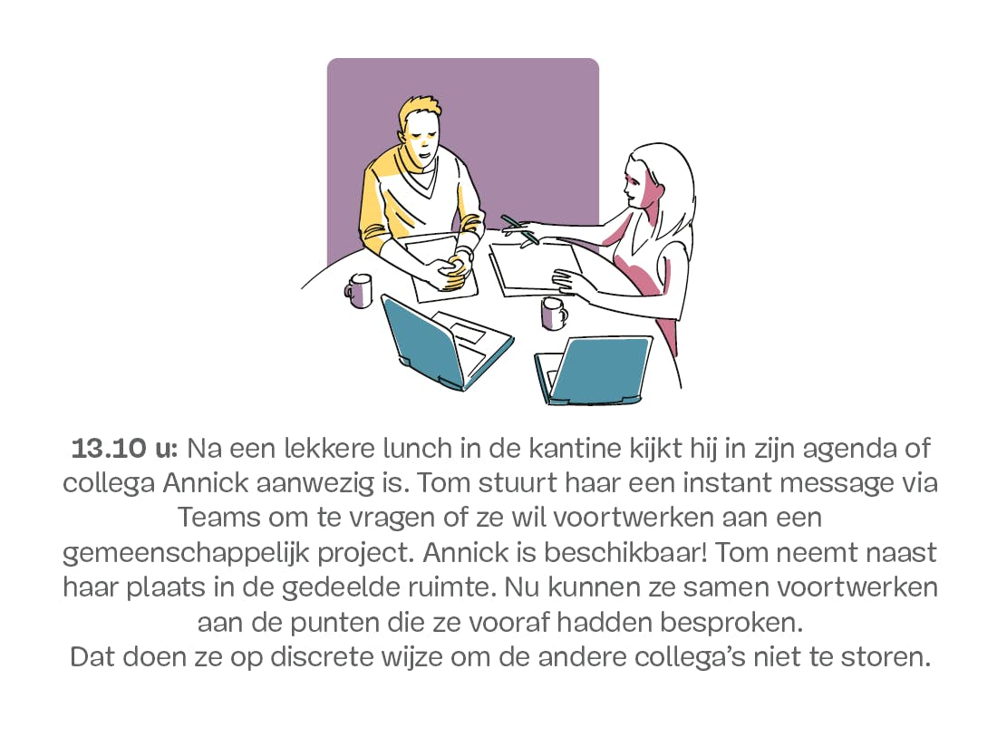 Een man en een vrouw praten aan een tafel